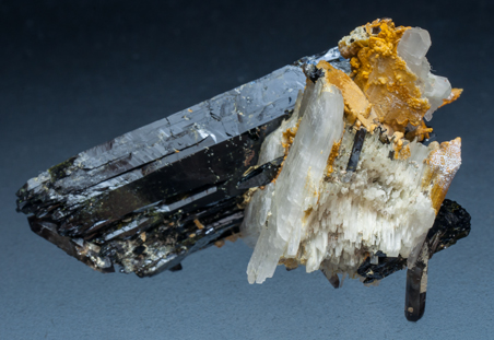 Eudidymite with Aegirine and Quartz. Rear