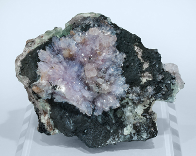 Creedite with Fluorite.