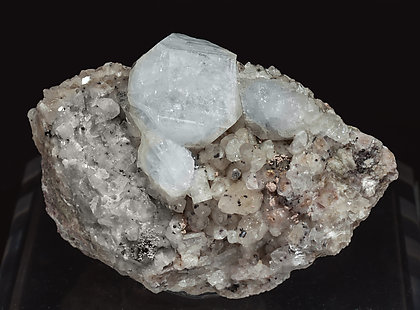 Fluorapophyllite-(K) With Quartz and Prehnite.