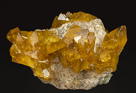 Baryte with Quartz. Side
