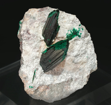 Brochantite with Dickite. Front