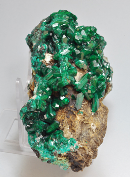 Dioptase with Chrysocolla. Side
