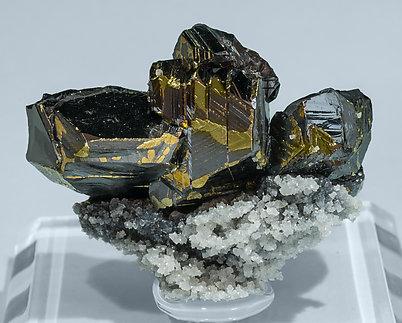 Sphalerite with Chalcopyrite, Boulangerite, Calcite and Quartz. Front