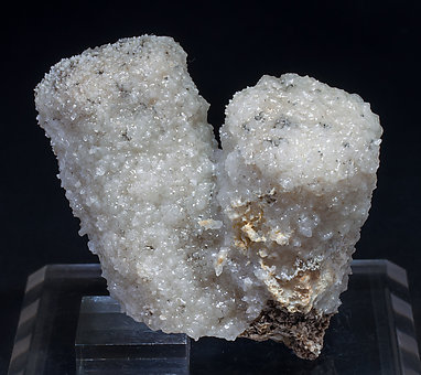 Calcite (variety kanonenspat) with Quartz.