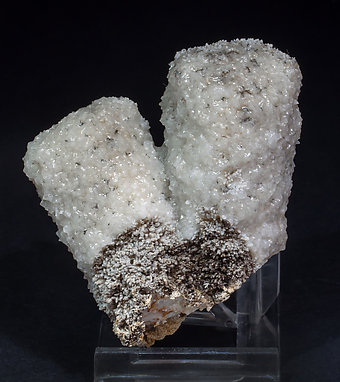 Calcite (variety kanonenspat) with Quartz. Rear