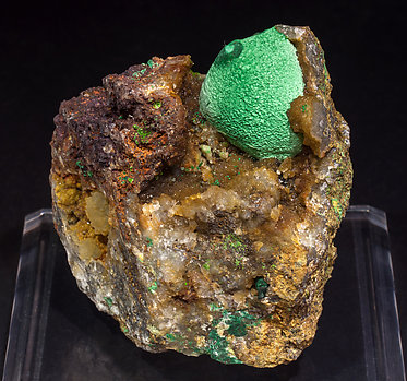 Malachite with Quartz (variety chalcedony).