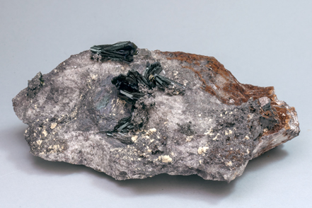Olivenite with Quartz and Hydroniumjarosite. Side