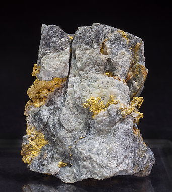 Gold with Quartz. Side