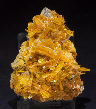 Wulfenite with Mimetite. Side