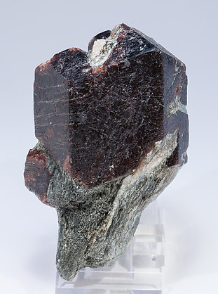 Almandine with Muscovite and Quartz. Front