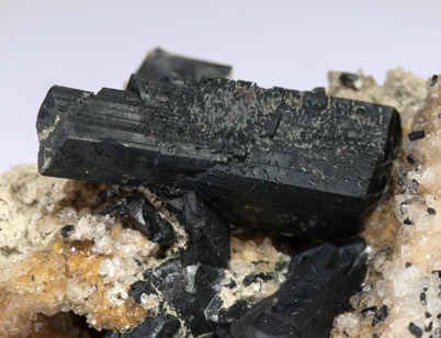 Ilvaite on Quartz.