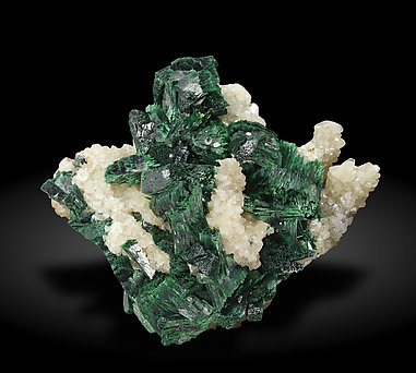 Malachite with Calcite. Front / Photo: Joaquim Callén