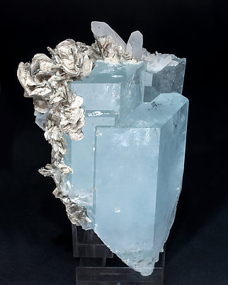 Beryl (variety aquamarine) with Muscovite and Quartz. Side