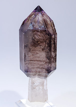 Quartz scepter (variety smoky and amethyst).