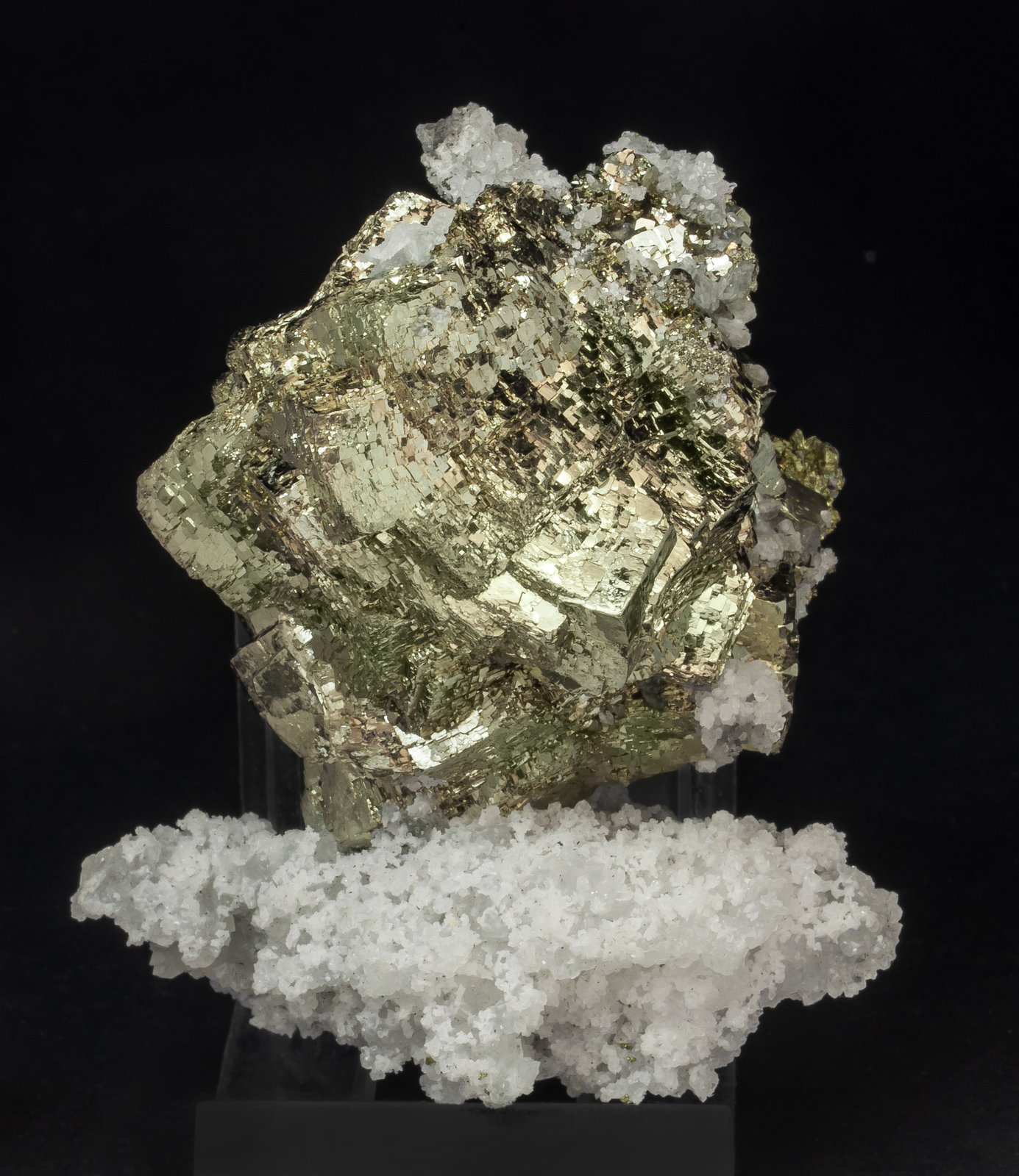 specimens/s_imagesAM0/Pyrite-ET47AM0f.jpg