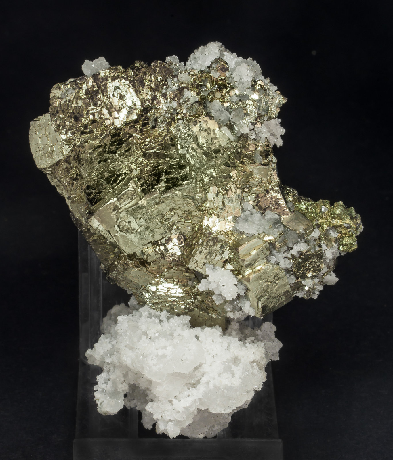 specimens/s_imagesAM0/Pyrite-ET47AM0s.jpg