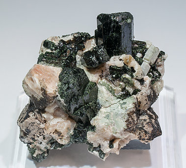 Diopside with Fluorapatite and Calcite.