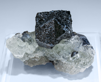 Sphalerite with Galena and Fluorite. Rear