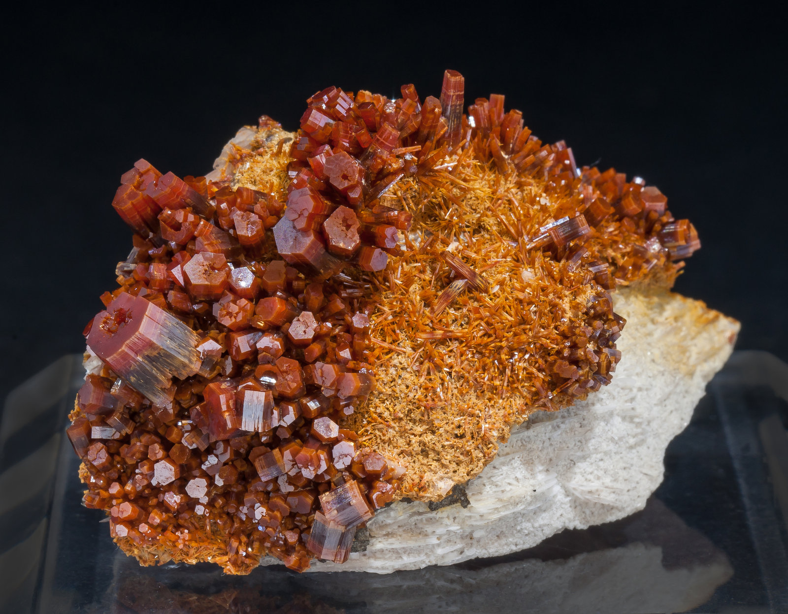 specimens/s_imagesAM2/Vanadinite-EF26AM2f.jpg