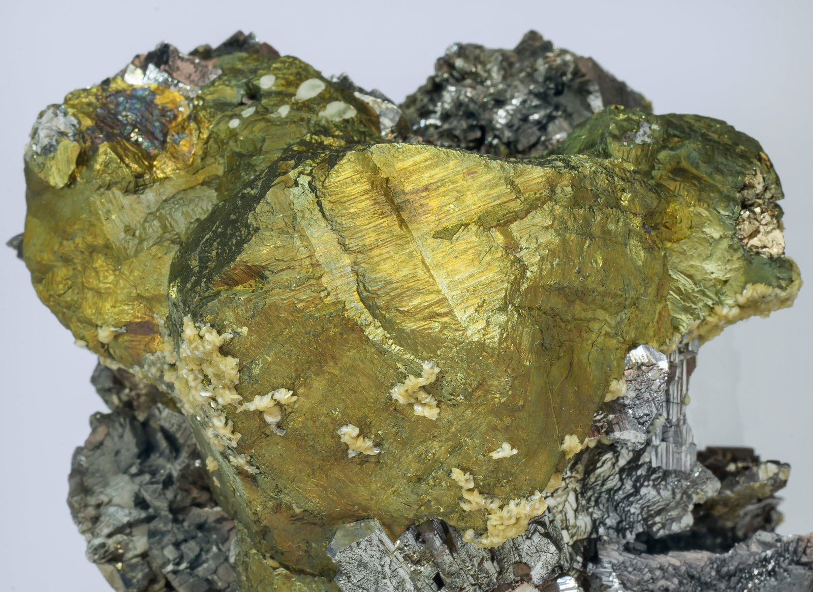 specimens/s_imagesAM3/Chalcopyrite-MR27AM3d.jpg
