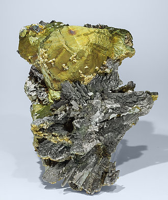 Chalcopyrite with Arsenopyrite and Siderite.