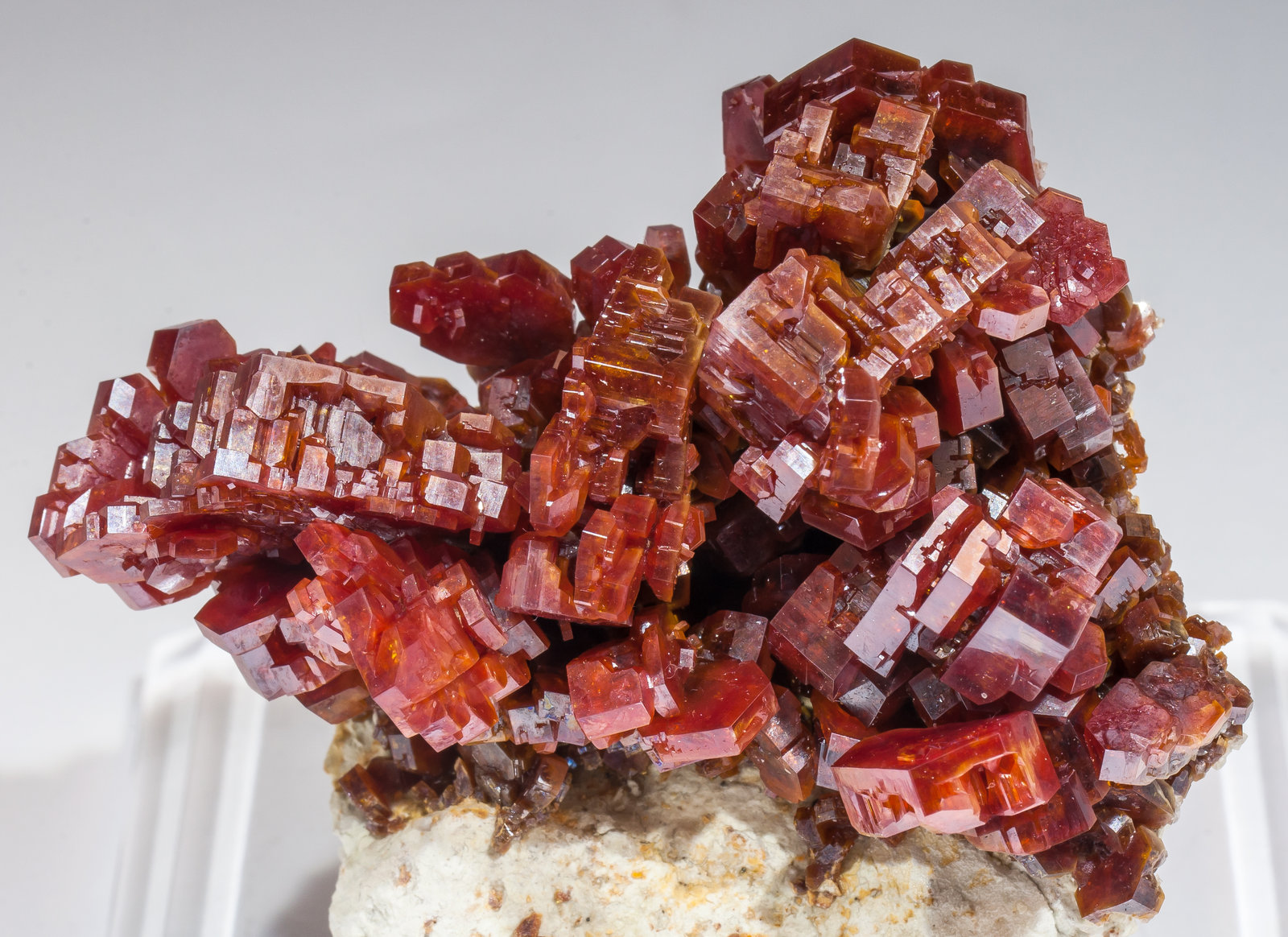 specimens/s_imagesAM3/Vanadinite-EL96AM3d1.jpg