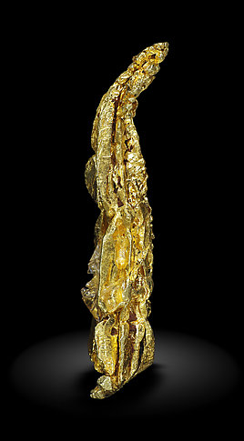 Gold (spinel twin). Front / Photo: Joaquim Callén