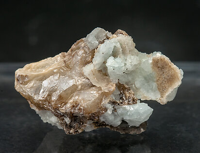 Wulfenite (variety chillagite) with Baryte and Fluorite.