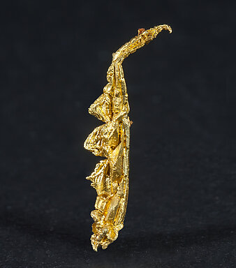 Gold (spinel twin). Front