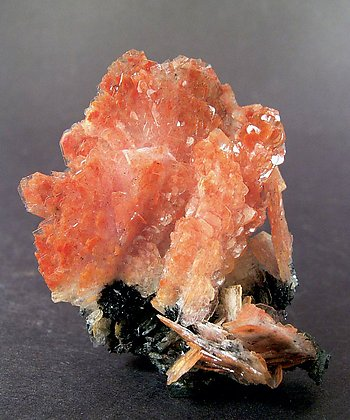 Realgar included in Baryte.