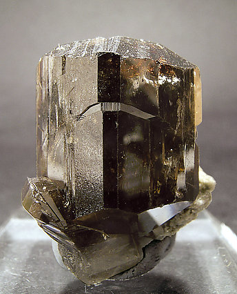 Cassiterite doubly terminated.
