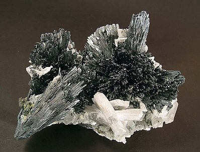 Stibnite with Baryte.