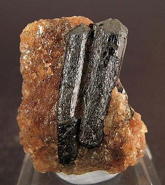 Rutile with Calcite.
