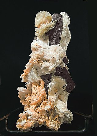 Polylithionite with Serandite, Aegirine and Leucophanite.