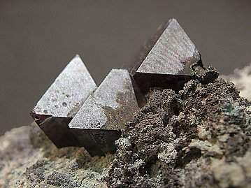 Cuprite with Calcite.