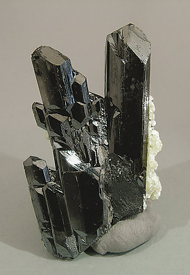 Ferberite with Mica. Front