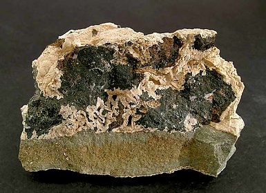 Alabandite with Rhodochrosite. Front