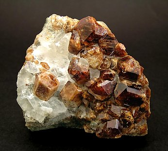 Grossular with Calcite.