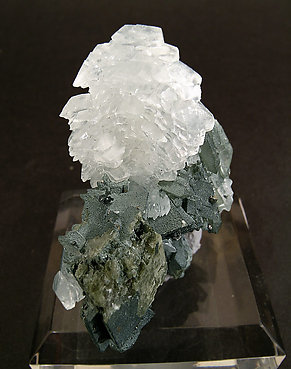 Calcite with Siderite and Quartz.