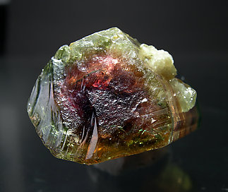 Tourmaline (Group). Bottom