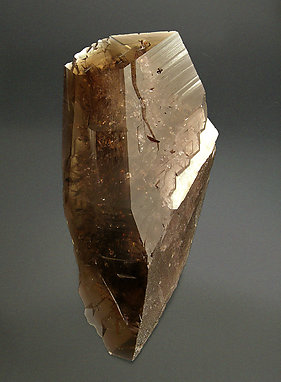Axinite-(Fe) with Calcite.