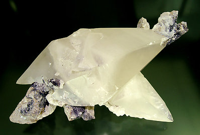 Twinned Calcite. Rear