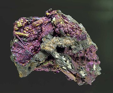 Cerussite-Anglesite with Goethite.