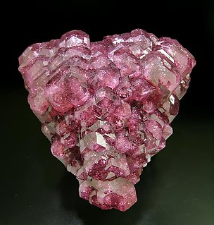 Tourmaline (Group). Top