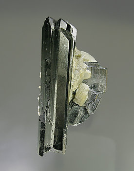 Ferberite with Siderite. Top