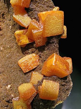Wulfenite with Vanadinite (variety endlichite). <br>