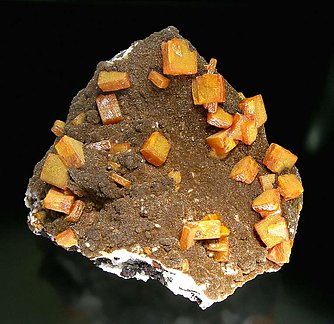Wulfenite with Vanadinite (variety endlichite). Front