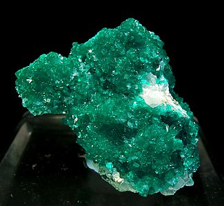 Dioptase with Calcite. Side