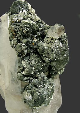 Stannite on Quartz and Ferberite.