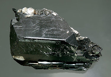 Ferberite with Muscovite and Siderite. Side